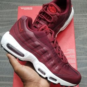 "WMNS Air Max 95 ""Team Red"""